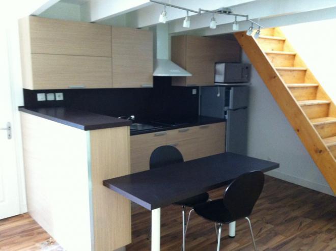 loyer appartement a louer grand duplex meubl avec grande terrasse la rochelle tr s confortable. Black Bedroom Furniture Sets. Home Design Ideas