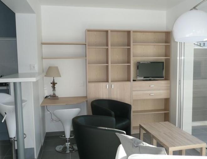 location appartement t3 meuble la rochelle. Black Bedroom Furniture Sets. Home Design Ideas